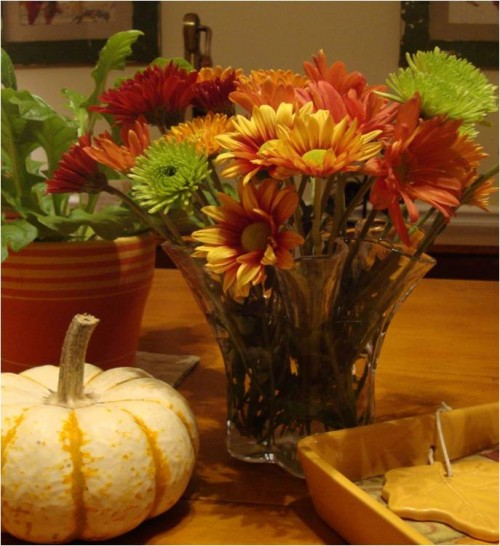 Adorn your Thanksgiving table with Autumn colors